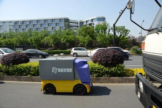 菜鸟物流测试无人车 有望年内商用量产
